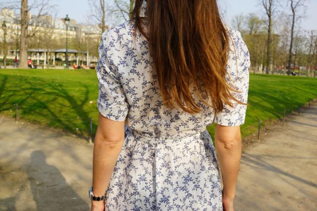 Uniqlo-et-Ines-de-la-Fressange-robe-à-fleurs-parisienne