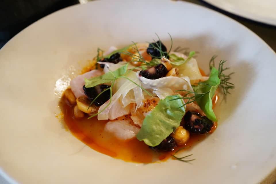 Clamato, le restaurant parisien spécialisé dans les fruits de mer.