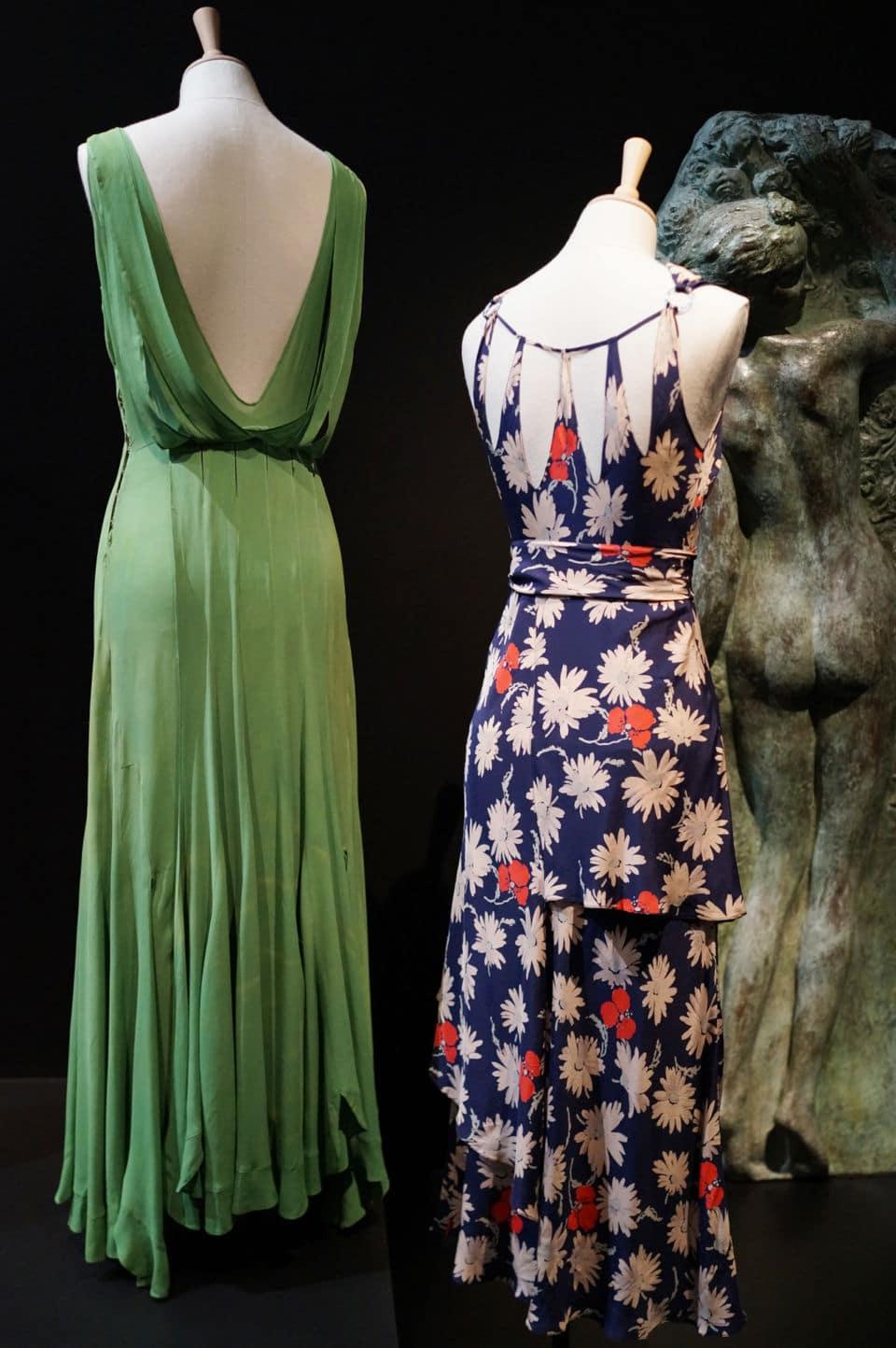 l'expo. Back side, l'expo. qui focalise sur le dos des vêtements